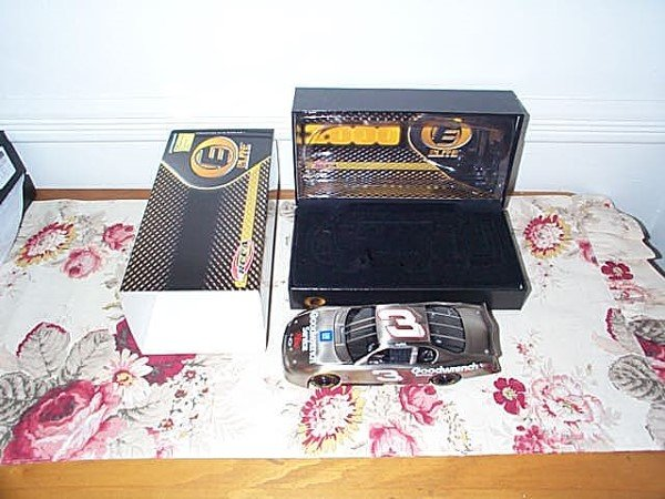 125: RCCA Elite Collectible Dale Earnhardt #3 GM Goodwr