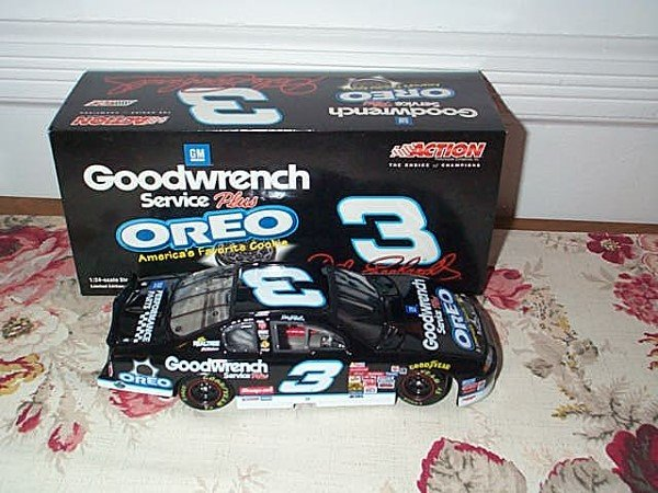214: Action Racing Collectibles, Dale Earnhardt #3 Oreo