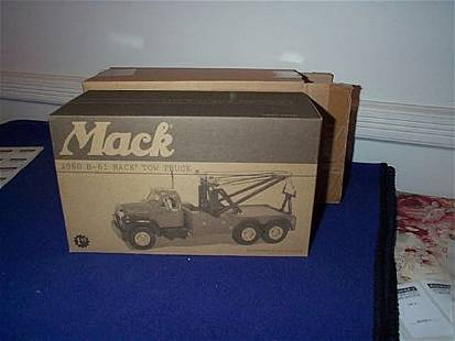First Gear Die-Cast Mack 1960 B-61 Tow Truck; with