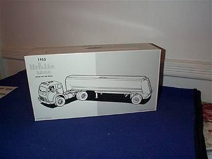 First Gear Die-Cast 1953 White 3000 Tractor Traile