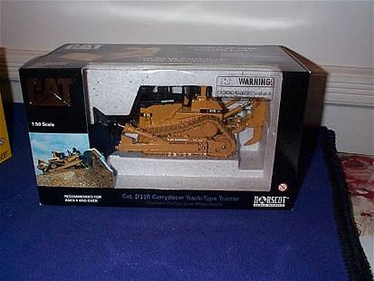 Norscot Die-Cast Cat D11R Carrydozer, Track-Type T
