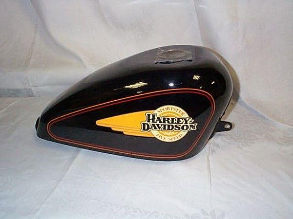 623: Harley-Davidson Sporster 5-speed fuel tank appears
