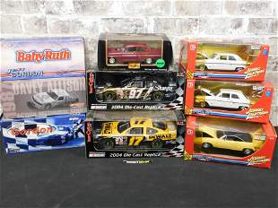 Lot of 9 1:24 and 1:18 Scale Cars