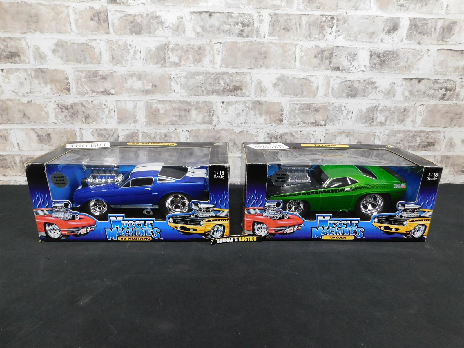 Lot of 2 American Muscle 1:18 Scale Die-Cast Cars