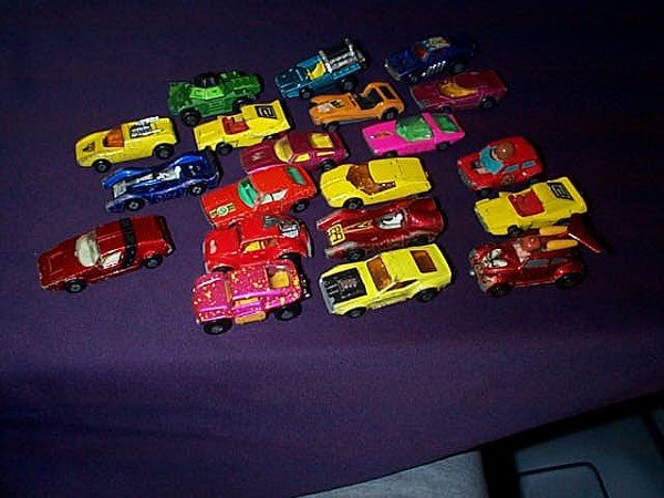 17: Lot of 24 Matchbox Cars including many superfast, w