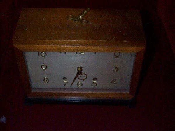 28: Seth Thomas Art-Deco mantle clock. Model #E515-003  - 2