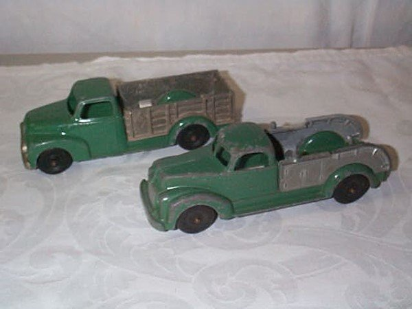 418: Lot of 2 Hubley Kiddie Toy Cast Iron Toy Trucks, i