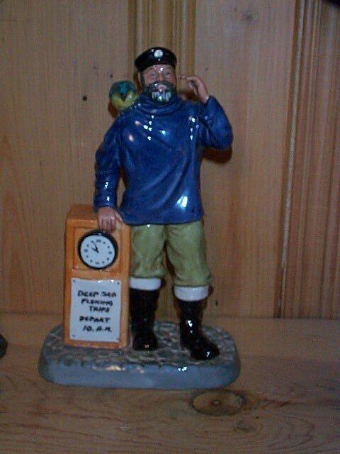 15: Royal Doulton figurine All Aboard HN 2940 measures