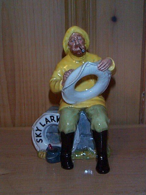 23: Royal Doulton figurine The Boatman HN 2417, measure