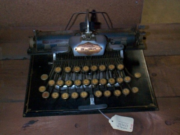 1003: Aluminum Featherweight Blick Typewriter; Stamford
