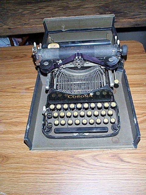 1015A: Corona No 3 typewriter with case