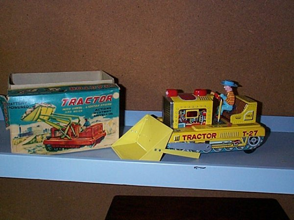 1523: Amico Exclusive Battery operated Toy Tractor with