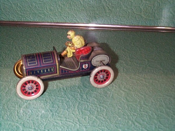 1578: Avanti Tin Litho Roadster Toy, marked Germany, in