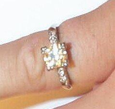 20: 14K White Gold Engagement Ring