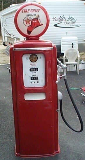 1031: Texaco Gasoline Early 1950's Gas Pump Tokheim Reg