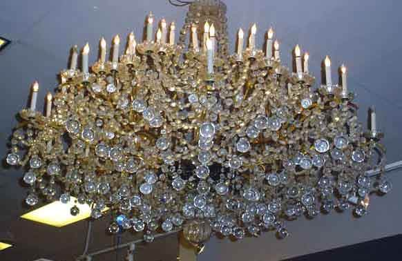 286: EXCEPTIONAL AND LARGE FRENCH CRYSTAL AND POLISHED
