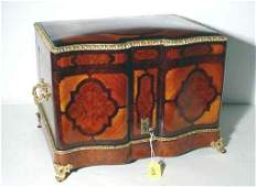 498: FINE INLAID ROSEWOOD AND AMBOYNA BRONZE MOUNTED FR