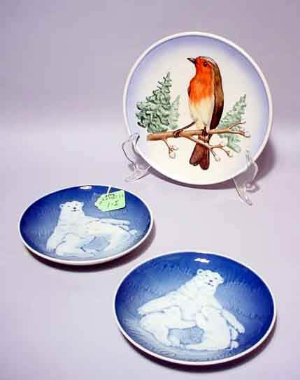 1I: LOT OF THREE COLLECTOR PLATES