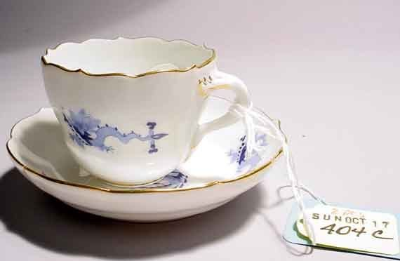 404C: MEISSEN DECORATED PORCELAIN DEMITASSE CUP AND SAU