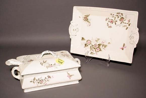 408: ENGLISH DECORATED PORCELAIN COVERED TUREEN WITH UN