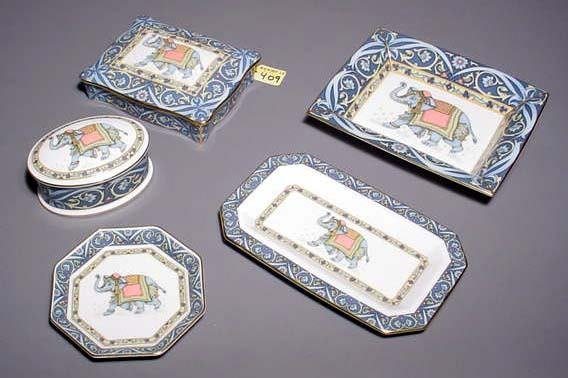 409: FIVE-PIECE WEDGWOOD DECORATED CHINA CARD GAME/TABL
