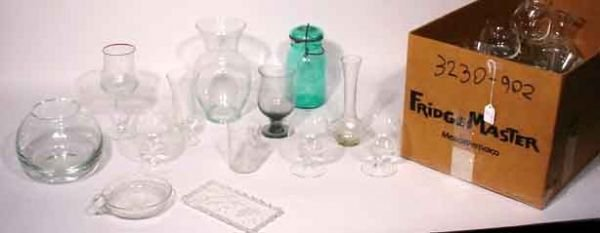 1006: MISCELLANEOUS LOT OF ETCHED AND MOULDED GLASS STE