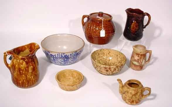 1012: BOX LOT OF ANTIQUE AMERICAN DECORATED SPONGE AND