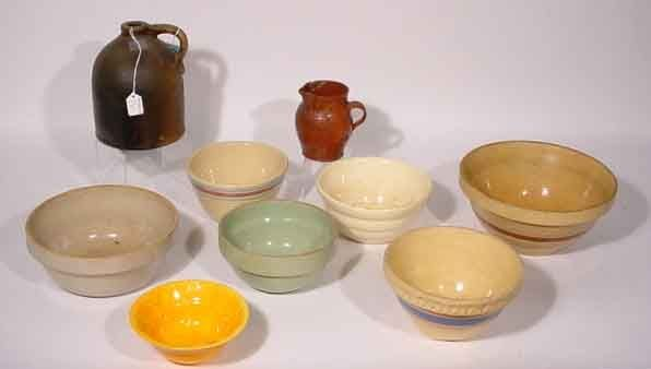 1014: BOX LOT OF AMERICAN POTTERY AND STONEWARE BOWLS,