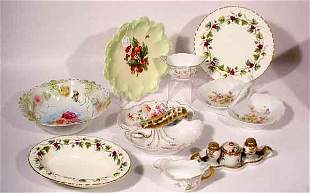BOX LOT OF MISCELLANEOUS DECORATED CHINA AND EART