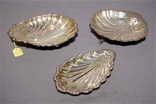 415: LOT OF THREE SILVERPLATED SHELL FORM SERVING DISHE