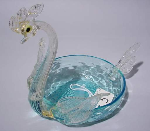 5: VENETIAN MULTI-COLORED GLASS FIGURE OF A SWAN, with