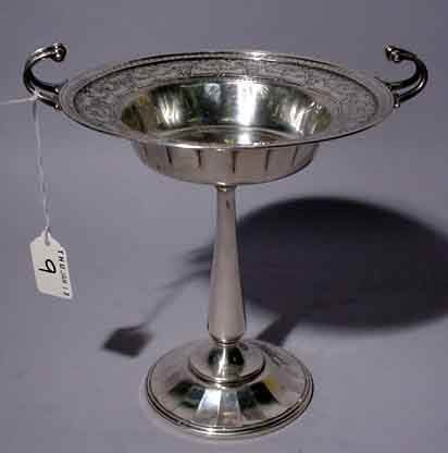 9: SILVERPLATED PEDESTAL FORM COMPOT, by Meridens, havi