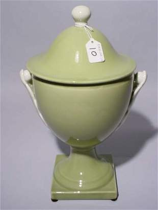 CELADON GLAZED COVERED URN, having a ball form fini