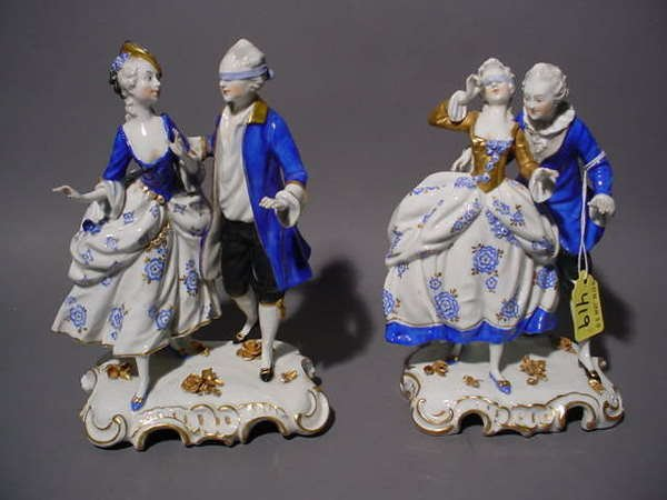 1419: PAIR OF CONTINENTAL PORCELAIN FIGURAL GROUPS, dep