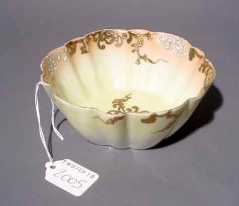 2005: JAPANESE DECORATED PORCELAIN BOWL, first-half 20t