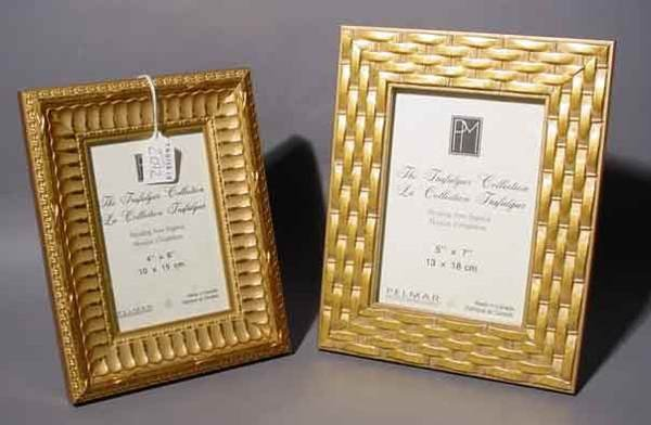 2012: LOT OF TWO EUROPEAN CARVED AND GILDED PHOTOGRAPH