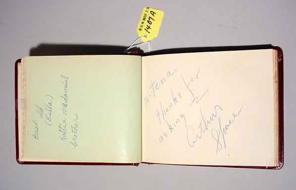 1407A: AUTOGRAPHS BOOK OF HOLLYWOOD MOVIE AND TELEVISIO