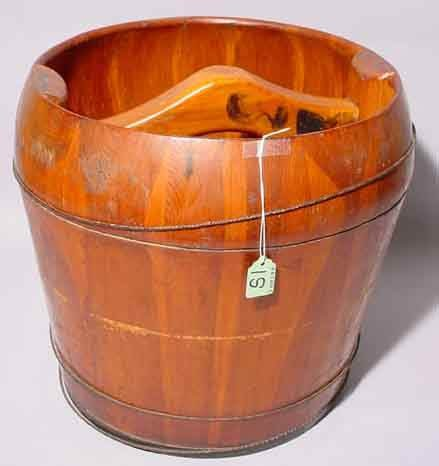 1S: CHINESE CHERRY WOOD WATER BUCKET, with smooth centr