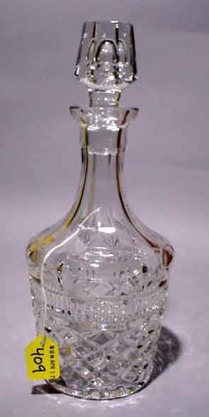 409: WELL-CUT LEAD CRYSTAL DECANTER WITH SUSPENDED BUBB