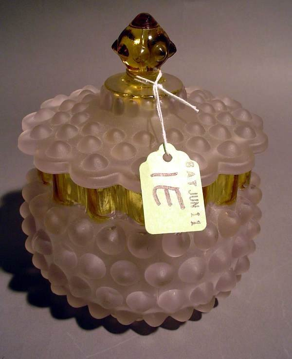 1E: SCALLOPED HOBSTAR DESIGN CUT GLASS VANITY JAR, with
