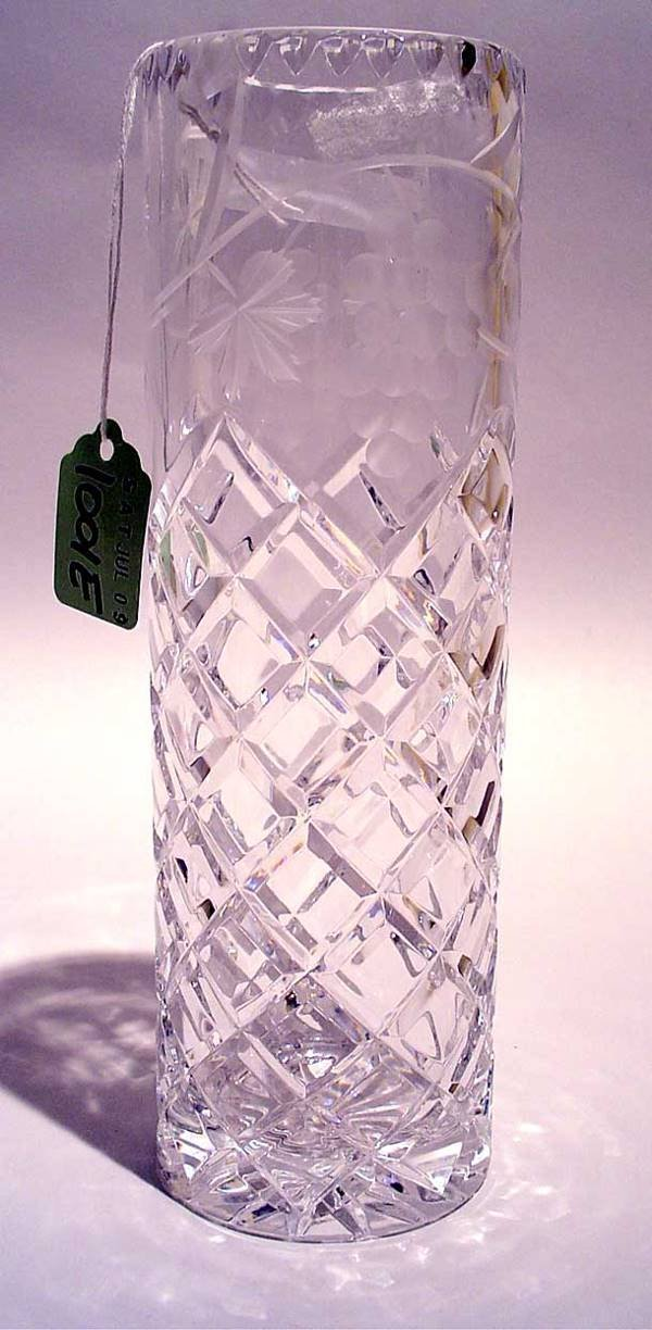 1001E: WELL CUT AND ETCHED LEAD CRYSTAL BUD VASE, ''Con
