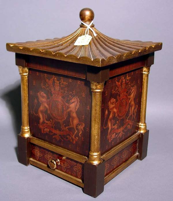 1413: REGENCY STYLE GILT DECORATED COMPOSITION COVERED