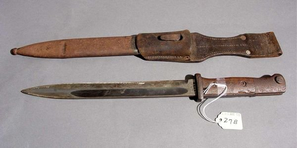 27B: WWII GERMAN MAUSER K-98 BAYONET M1884/98, with woo