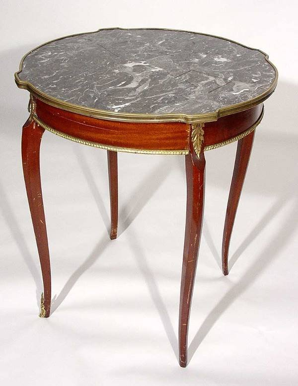 8: LOUIS XV STYLE BRONZE MOUNTED MARBLE TOP GUERIDON, m