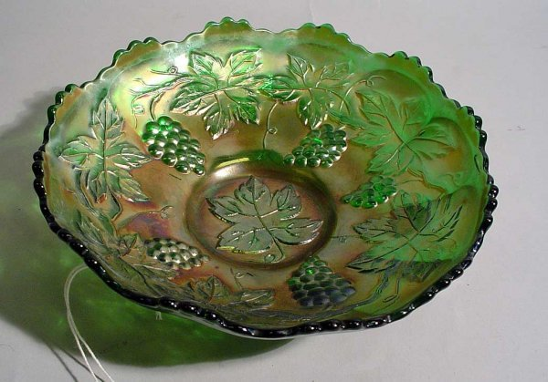 1001I: IRIDESCENT CARNIVAL GLASS SCALLOPED DISH, vintag