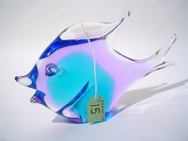 15: SWEDISH COLORED CRYSTAL SCULPTURE OF A FISH, signed