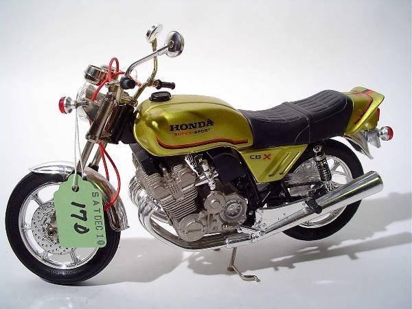 17D: GUILOY 1979 HONDA CBX MOTORCYCLE DIE-CAST 1:10 SCA