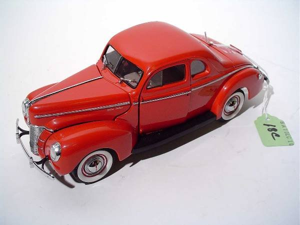 18C: DANBURY MINT 1940 FORD DELUXE COUPE 1:24 SCALE MOD