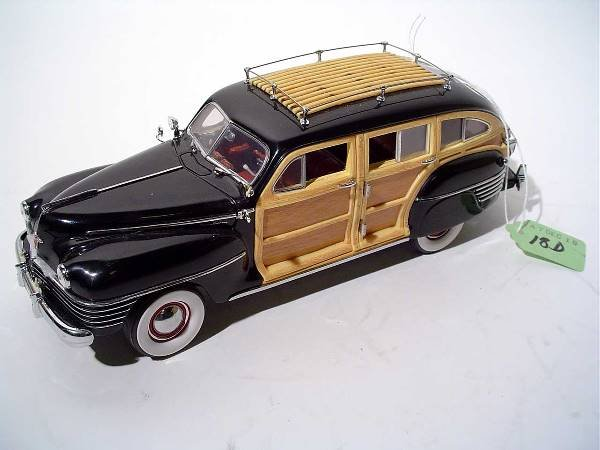 18D: DANBURY MINT 1942 CHRYSLER TOWN AND COUNTRY DIE-CA