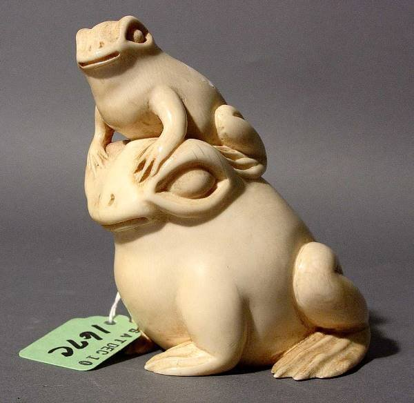 167C: AMUSING CARVED CHINESE IVORY GROUP OF TWO FROGS,